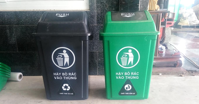 Thùng rác nhựa nắp bập bênh dung tích 60 lit